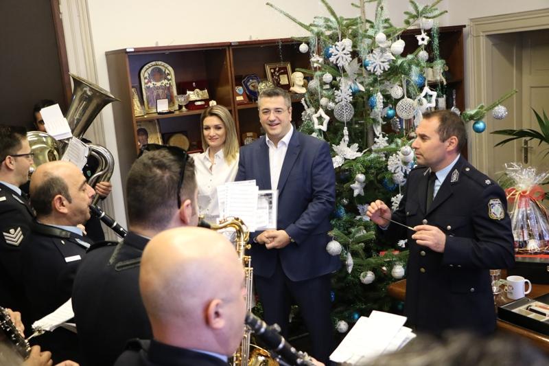 Χριστουγεννιάτικα κάλαντα κι ευχές στην Περιφέρεια Κεντρικής Μακεδονίας